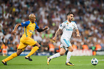 Isco Alarcon (r) of Real Madrid is followed by Carlos Roberto Da Cruz Junior, Cariao, of APOEL FC during the UEFA Champions League 2017-18 match between Real Madrid and APOEL FC at Estadio Santiago Bernabeu on 13 September 2017 in Madrid, Spain. Photo by Diego Gonzalez / Power Sport Images