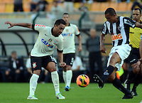 SAO PAULO SP, 14 Julho 2013 - Corinthians x Atletico MG.   Lance com  Ibson  durante partida valida pela setima rodada do campeonato brasileiro de 2013  no Estadio do Pacaembu em  Sao Paulo, neste domingo , 14. (FOTO: ALAN MORICI / BRAZIL PHOTO PRESS).