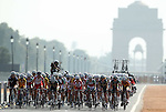 Delhi 2010 Commonwealth Games.The peloton rides up towards the presendential palace with India Gate in the background during the Womens Road Race..10.10.10.Photo Credit-Steve Pope-Sportingwales