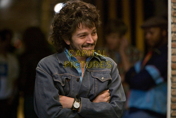 DIEGO LUNA.in Milk.*Filmstill - Editorial Use Only*.CAP/FB.Supplied by Capital Pictures.