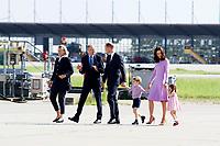 Prinz William mit Gattin Catherine, Herzogin von Cambridge und Kindern Prinz George und Prinzessin Charlotte bei der Besichtigung des Airbus Geländes mit anschließendem Abflug nach England. Hamburg, 21.07.2017