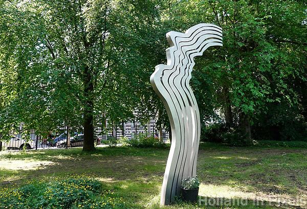 Nederland - Amsterdam - 2018. Het Oosterpark. De Schreeuw van kunstenaar Jeroen Henneman. Monument voor Theo van Gogh.   Foto Berlinda van Dam / Hollandse Hoogte.