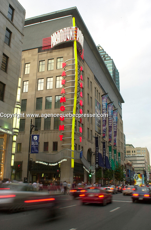Aug 2002, Montreal, Quebec, Canada<br /> <br /> Paramount Cinema,on Ste Catherine Street West  in downtown   Montreal, Quebec, Canada<br /> <br /> <br /> Mandatory Credit: Photo by Pierre Roussel- Images Distribution. (&copy;) Copyright 2002 by Pierre Roussel <br /> <br /> NOTE : <br />  Nikon D-1 jpeg opened with Qimage icc profile, saved in Adobe 1998 RGB<br /> .Uncompressed  Uncropped  Original  size  file availble on request.