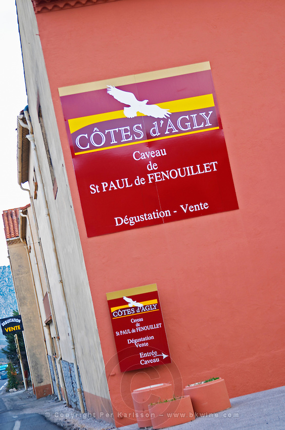 Cotes d'Agly St Paul de Fenouillet. Fenouilledes. Roussillon. The wine shop and tasting room. France. Europe.