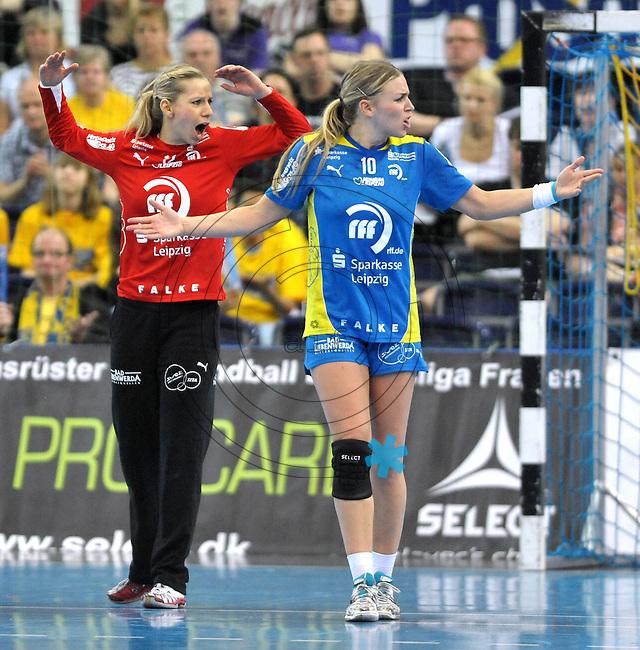 Handball Bundesliga Frauen - Playoff Finale um die deutsche Meisterschaft. Zum Hinspiel empfängt der Handballclub Leipzig (HCL) den Thüringer HC (THC). .IM BILD: HCL Torfrau Katja Schülke / Schuelke und Jessy Kramer (HCL) .Foto: Christian Nitsche