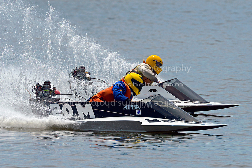 @0-M and 40-M    (Outboard Hydroplane)