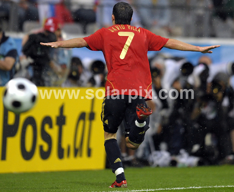 **ALL ROUND PICTURES FROM SOLARPIX.COM**.**SYNDICATION RIGHTS FOR UK AND SPAIN ONLY**.European Championship tournament Euro 2008, Spain versus Russia at the Tivoli-Neu Stadium, Innsbruck, Austria. Spain 4 Russia 1. 10th June 2008..This pic: David Villa..JOB REF: 6605 CPR/Sascha Schuermann        .DATE: 10_06_2008.**MUST CREDIT SOLARPIX.COM OR DOUBLE FEE WILL BE CHARGED* *UNDER NO CIRCUMSTANCES IS THIS IMAGE TO BE REPRODUCED FOR ANY ONLINE EDITION WITHOUT PRIOR PERMISSION*