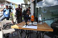 Platz von Toni Kroos wird vor dem Beginn schon belagert - 05.06.2018: Media Day der Deutschen Nationalmannschaft zur WM-Vorbereitung in der Sportzone Rungg in Eppan/Südtirol