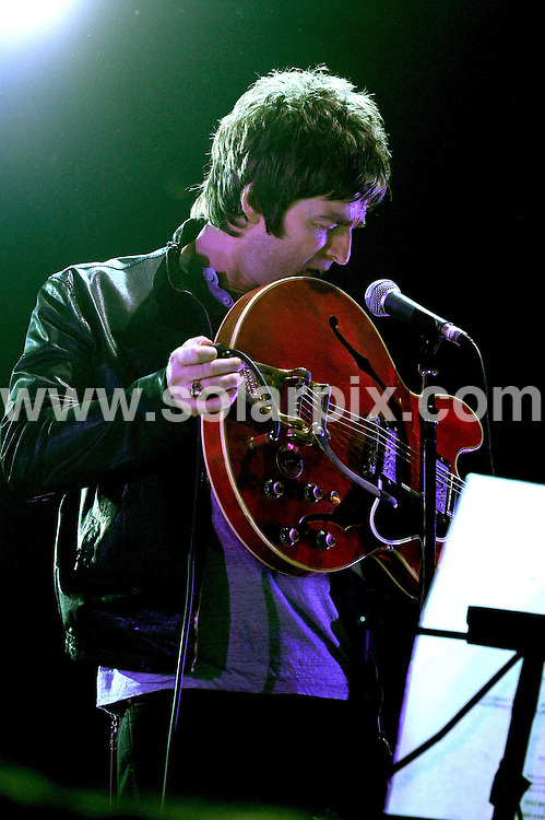 **ALL ROUND PICTURES FROM SOLARPIX.COM**.**WORLDWIDE SYNDICATION RIGHTS EXCLUDING UK & ITALY - NO PUBLICATION IN UK OR ITALY**.Oasis perform live at Assago Forum, Milan, Italy. 02 February 2009..This pic: Noel Gallagher..JOB REF: 8922 MXN       DATE: 02_02_2009.**MUST CREDIT SOLARPIX.COM OR DOUBLE FEE WILL BE CHARGED**.**ONLINE USAGE FEE GBP 50.00 PER PICTURE - NOTIFICATION OF USAGE TO PHOTO @ SOLARPIX.COM**.**CALL SOLARPIX : +34 952 811 768 or LOW RATE FROM UK 0844 617 7637**