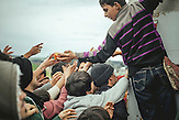 Über 14.000 Menschen leben im Flüchtlingscamp in Idomeni, nachdem Mazedonien seine Grenze geschlossen hat. / More than 14.000 people are living in the Idomeni refugee camp in Greece, unable to travel further after Macedonia closed its borders.
