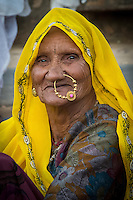Beautiful Rajasthan woman in Sawai Madhopur near Ranthambhore Tiger Reserve in Rajasthan, India
