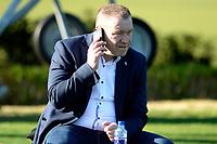 SOTOGRANDE  - Voetbal, Trainingskamp FC Groningen, seizoen 2017-2018, 11-01-2018,  directeur Hans Nijland aan de telefoon