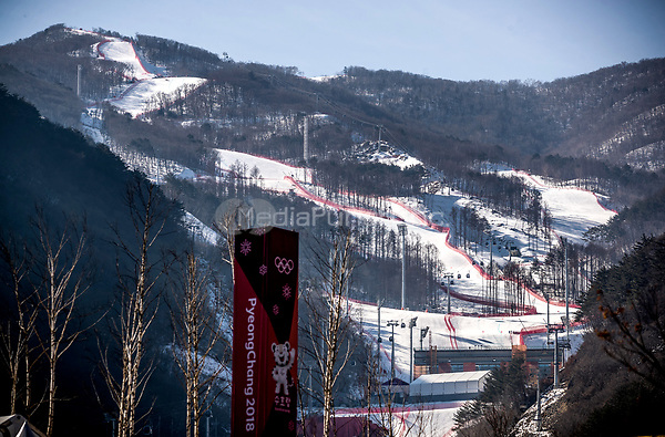 The tracks for the descent and the Super-G are clearly visible on the mountain's slope in the Jeongseon Alpine Centre in Pyeongchang, South Korea, 07 February 2018. The Pyeongchang 2018 Winter Olympics take place between 09 and 25 February. Photo: Michael Kappeler/dpa /MediaPunch ***FOR USA ONLY***