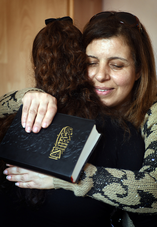 TRAUMA HEALING CASE STUDIES IN JORDAN. BIBLE SOCIETY VOLUNTEER SYLVIA WITH  'MARIAM' 37  FROM BASRA, IRAQ,  IN THEIR NEW HOME IN MADABA, JORDAN. 20/04/16, PHOTO BY CLARE KENDALL.