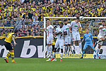 06.10.2018, Signal Iduna Park, Dortmund, GER, DFL, BL, Borussia Dortmund vs FC Augsburg, DFL regulations prohibit any use of photographs as image sequences and/or quasi-video<br /> <br /> im Bild Paco Alcacer (#9, Borussia Dortmund) macht das Tor zum 4:3<br /> <br /> Foto &copy; nph/Horst Mauelshagen