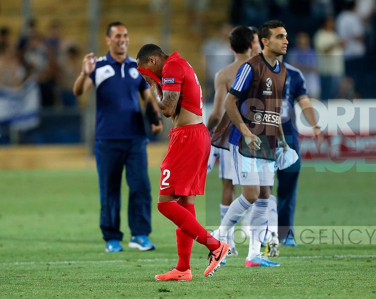 England's Nathaniel Clyne looks on dejected<br /> <br /> - Israel U21 vs England U21  - UEFA U21 Championship 2013  - Teddy Stadium  - Jerusalem - Israel - 11/06/2013  - Pic David Klein/Sportimage