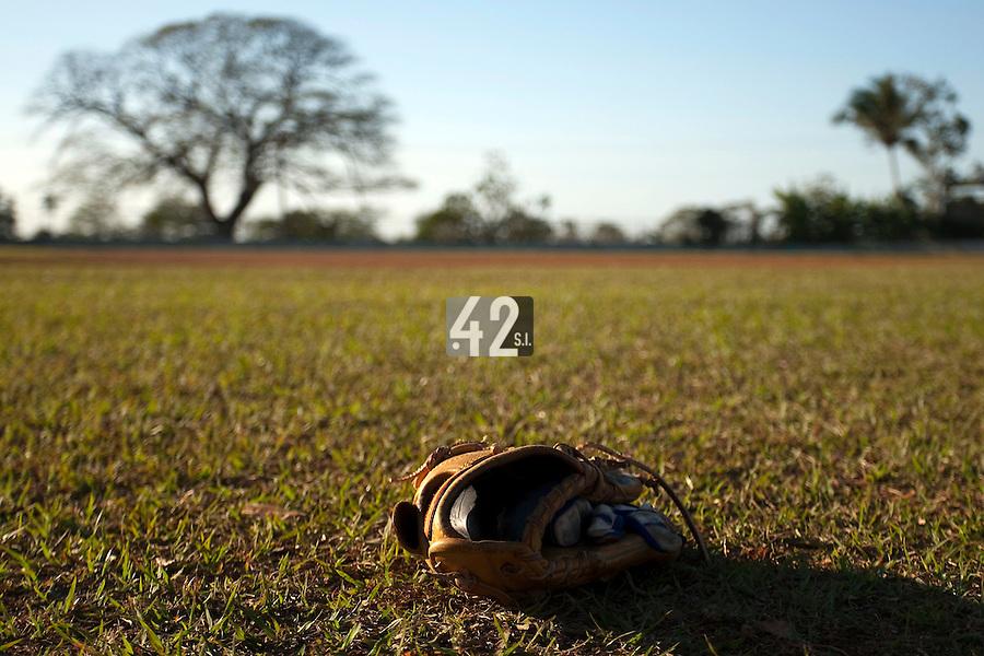 BASEBALL - POLES BASEBALL FRANCE - TRAINING CAMP CUBA - HAVANA (CUBA) - 13 TO 23/02/2009 - PHOTO : CHRISTOPHE ELISE. (FRANCE)