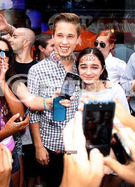 NEW YORK, NY - August 03, 2012: Ryan Beatty at M&amp;M World Times Square to meet fans in New York City. &copy; RW/MediaPunch Inc. /NortePhto.com<br /> <br /> **SOLO*VENTA*EN*MEXICO**<br />  **CREDITO*OBLIGATORIO** *No*Venta*A*Terceros*<br /> *No*Sale*So*third* ***No*Se*Permite*Hacer Archivo***No*Sale*So*third* /NortePhoto.com<br /> <br />  **CREDITO*OBLIGATORIO** *No*Venta*A*Terceros*<br /> *No*Sale*So*third* ***No*Se*Permite*Hacer Archivo***No*Sale*So*third*