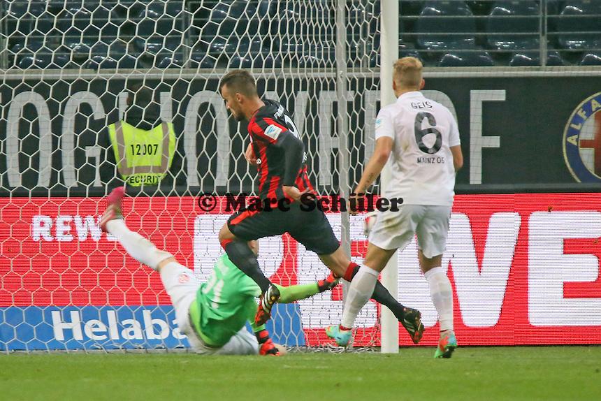 Loris Karius (Mainz) rettet gegen Haris Seferovic (Eintracht) - Eintracht Frankfurt vs. 1. FSV Mainz 05, Commerzbank Arena