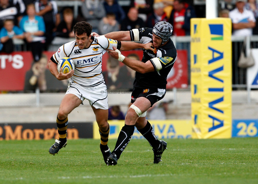 Photo: Richard Lane/Richard Lane Photography. Exeter Chiefs v London Wasps. Aviva Premiership. 25/09/2011. Wasps' Ryan Davis breaks to set up a try.