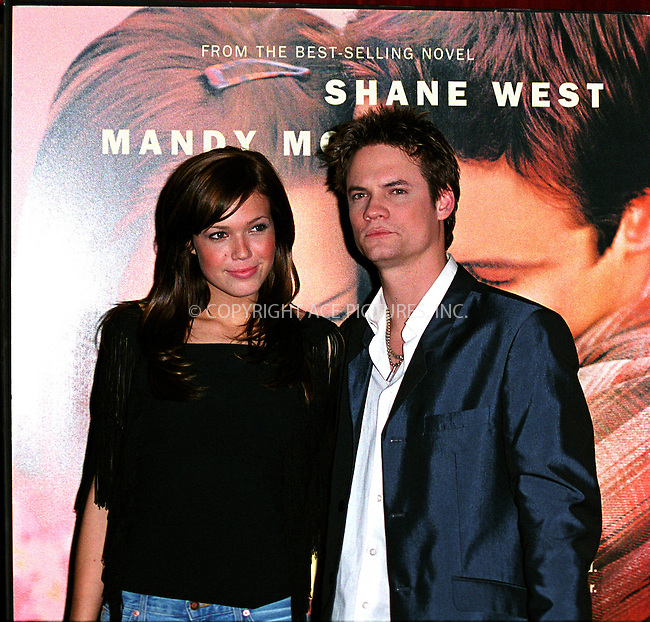"* WORLD SYNDICATION RIGHTS *  ..MANDY MOORE and SHANE WEST promoting their latest movie ""A Walk To Remember"" at Planet Hollywood in Times Square, New York. January 17, 2002. © 2002 by Alecsey Boldeskul.  ONE-TIME REPRODUCTION RIGHTS."