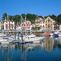 France, Aquitaine (Pays Basque), St-Jean-de-Luz: Ciboure Port | Frankreich, Aquitanien (Baskenland), St-Jean-de-Luz: Ciboure Hafen