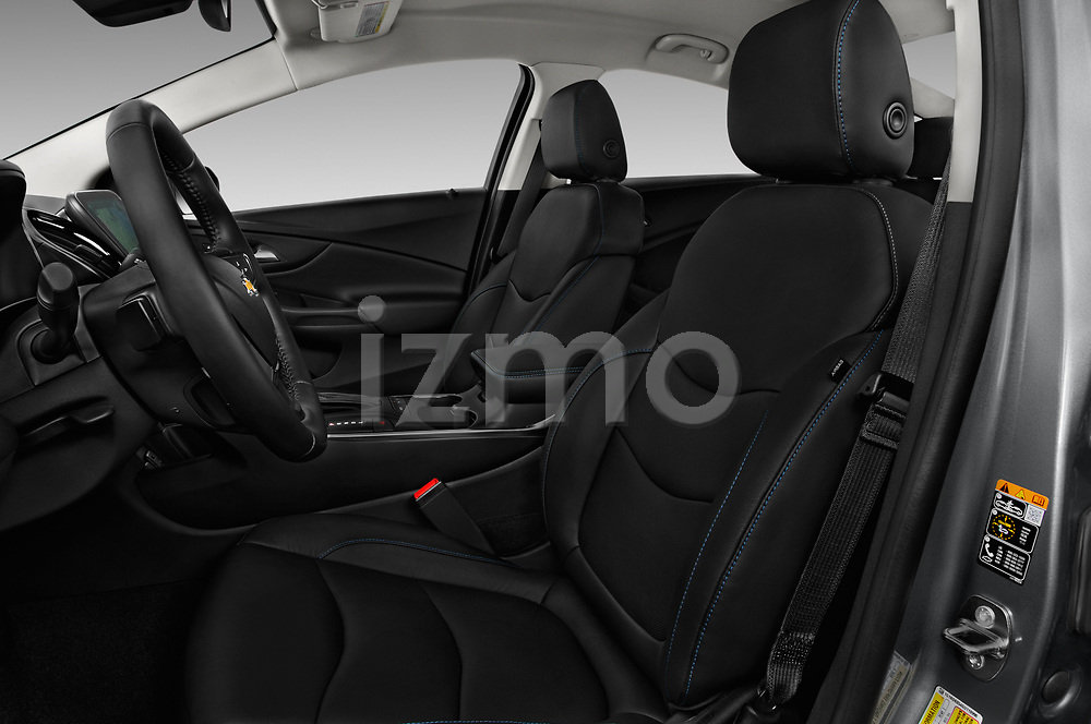Front seat view of 2018 Chevrolet Volt Premier 5 Door Hatchback Front Seat  car photos