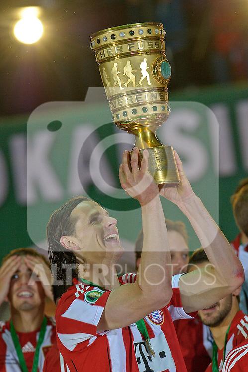 15.05.2010, Olympia Stadion, Berlin, GER, DFB Pokal Finale 2010,  Werder Bremen vs Bayern Muenchen im Bild  ich hab ihn Daniel an Buyten (Bayern #5)..Foto © nph / Kokenge