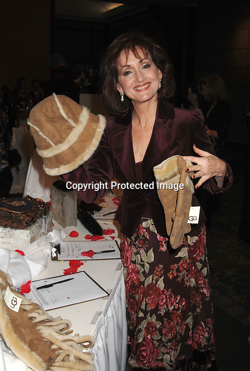 "Robin Strasser..at The League For The Hard of Hearing's ""Feast With Famous Faces"" Gala on October 23, 2006 at Pier Sixty. ..Kassie and James DePaiva were the co-chairs. ..Robin Platzer, Twin Images"