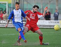 KSV Rumbeke - KSV De Ruiter : duel tussen Michael Vermeersch (links) en de tacklende Tom Claerbout (rechts)<br /> foto VDB / Bart Vandenbroucke