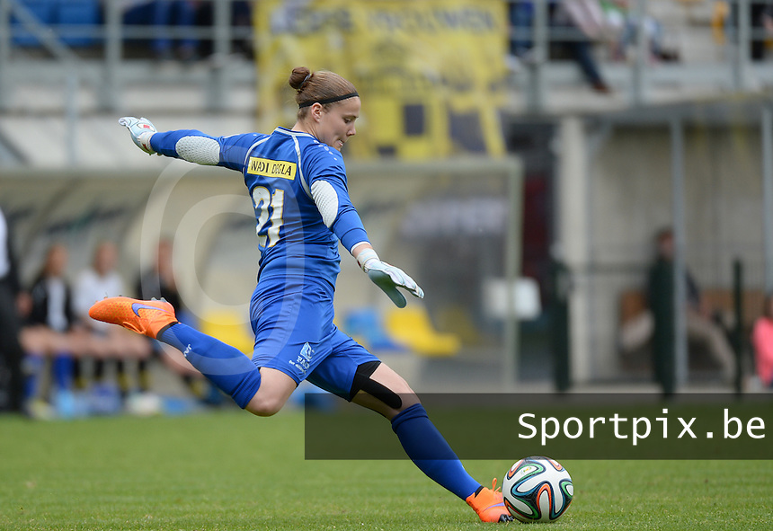 20150514 - BEVEREN , BELGIUM : Lierse's goalkeeper Justien Odeurs  pictured during the final of Belgian cup, a soccer women game between SK Lierse Dames and Club Brugge Vrouwen , in stadion Freethiel Beveren , Thursday 14 th May 2015 . PHOTO DAVID CATRY