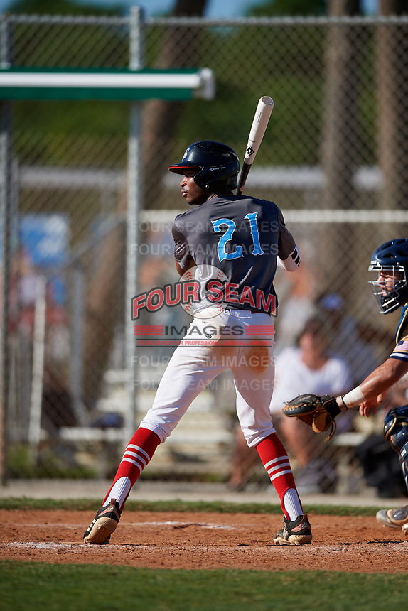 Justin Tew during the WWBA World Championship at the Roger Dean Complex on October 20, 2018 in Jupiter, Florida.  Justin Tew is an outfielder from Powder Springs, Georgia who attends Hillgrove High School and is committed to Middle Tennessee State.  (Mike Janes/Four Seam Images)