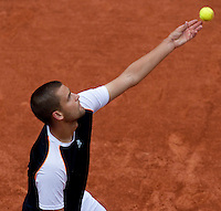 Mikhail Youzhny (RUS) (11) against Tomas Berdych (CZE) (15) in the quarter finals of the men's singles. Tomas Berdych beat Mikhail Youzhny 6-3 6-1 6-2..Tennis - French Open - Day 10 - Tue 1 June 2010 - Roland Garros - Paris - France..© CameraSport-MIKE FREY - 43 Linden Ave. Countesthorpe. Leicester. England. LE8 5PG - Tel: +44 (0) 116 277 4147 - admin@camerasport.com - www.camerasport.com