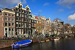 Europe; Pays Bas; Amsterdam; canal et maisons traditionnelles//Europe; Netherland; Amsterdam; canal and traditional houses