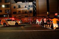 CURITIBA, PR,06.02.2017 – PROTESTO-PR – Manifestantes realizam protesto pelas ruas de Curitiba (PR) na noite desta segunda feira (06), contra o aumento da tarifa do transporte público em Curitiba. (Foto: Paulo Lisboa/Brazil Photo Press/Folhapress)
