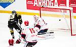 Stockholm 2014-12-01 Ishockey Hockeyallsvenskan AIK - S&ouml;dert&auml;lje SK :  <br /> AIK:s Joakim Hagelin g&ouml;r 3-1 bakom S&ouml;dert&auml;ljes m&aring;lvakt Tim Sandberg under matchen mellan AIK och S&ouml;dert&auml;lje SK <br /> (Foto: Kenta J&ouml;nsson) Nyckelord:  AIK Gnaget Hockeyallsvenskan Allsvenskan Hovet Johanneshov Isstadion S&ouml;dert&auml;lje SSK jubel gl&auml;dje lycka glad happy