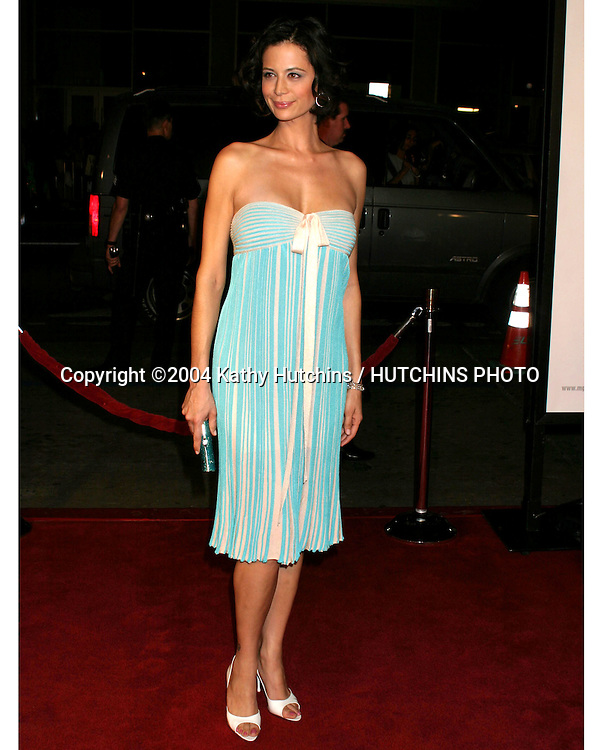 "©2004 KATHY HUTCHINS / HUTCHINS PHOTO.PREMIERE OF "" WALKING TALL "".GRAUMAN'S CHINESE THEATER.HOLLYWOOD, CA.MARCH 29, 2004..CATHERINE BELL"