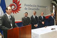 El Instituto Postal Dominicano (INPOSDOM) puso en uso esta mañana un matasellos conmemorativo por los 45 años de la Fundación Dominicana de Desarrollo. Con este sello el IPOSDOM honra todos los años de servicio a la nación que la Fundación tiene en su historial.