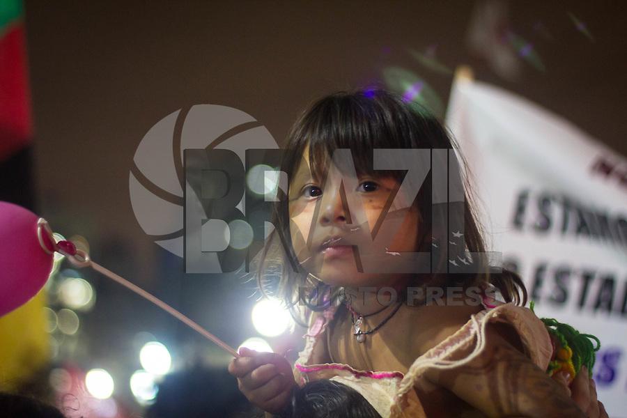 SÃO PAULO,SP, 08.03.2017 - DIA - MULHER - Mulheres ligadas a movimentos sociais e sindicalistas se reúnem na Praça da Sé em São Paulo (SP), para protestar contra a Reforma da Previdência e a violência contra as mulheres, contra o presidente Michel Temer e pela legalização do aborto, nesta quarta-feira (08). Os manifestantes seguiram em caminhada pelo centro da capital, até o prédio da Prefeitura de SP, nesta quarta-feira, 08. (Foto: Danilo Fernandes/Brazil Photo Press)
