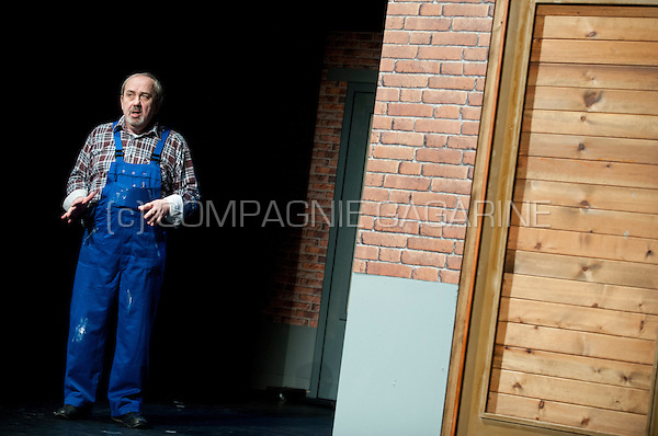 """Theatre company Keerbergse Amateur Toneelkring playing """"De Pruimelaarstraat"""" from Louis Van Dievel, directed by Gie Beullens (Belgium, 11/03/2015)"""