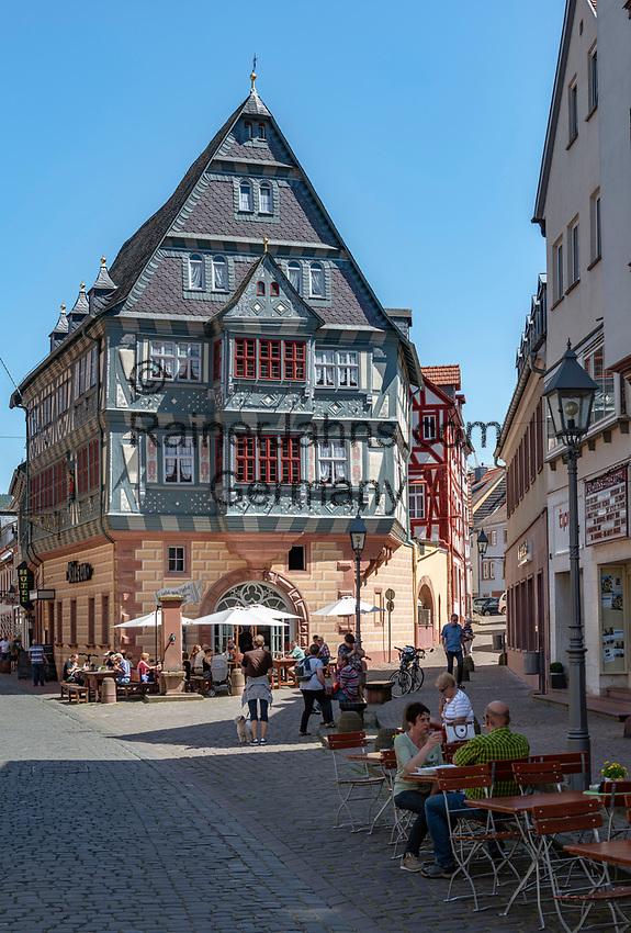 Germany, Bavaria, Lower Franconia, Miltenberg: hotel 'Haus Zum Riesen' in main street   Deutschland; Bayern; Franken (Unterfranken), Miltenberg: das Haus Zum Riesen (Hotel) in der Hauptstrasse (Fussgaengerzone) soll (nach eigenen Angaben) eines der aeltesten Gasthaeuser Deutschlands sein