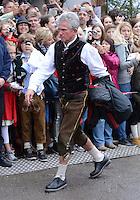 FUSSBALL   1. BUNDESLIGA   SAISON 2012/2013    Die Mannschaft des FC Bayern Muenchen besucht das Oktoberfest am 07.10.2012 Trainer Jupp Heynckes