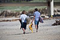 Surfing at DURANBAH BEACH, Australia ,   Photo: joliphotos.com