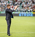 22.08.2019 Legia Warsaw v Rangers: Steven Gerrard applauds the Rangers fans at full time