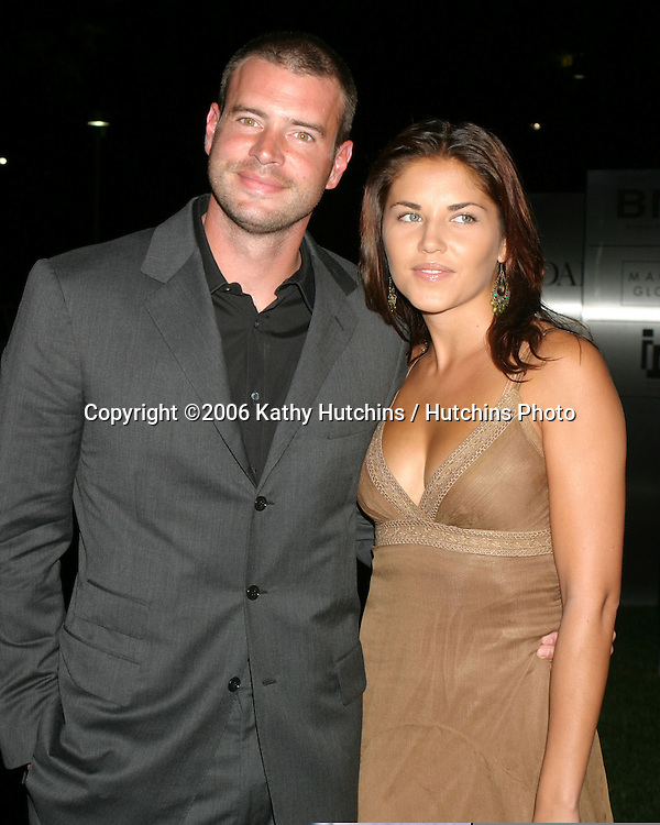 Scott Foley & Date.Hollywood Life Stye Awards.Pacific Design Center.Los Angeles, CA.October 15, 2006.©2006 Kathy Hutchins / Hutchins Photo....