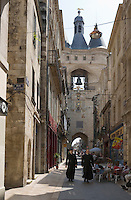 Europe/France/Aquitaine/33/Gironde/Bordeaux: La rue Saint James et la grosse Cloche