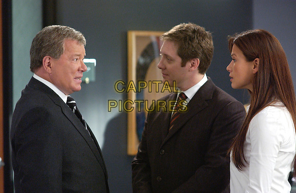 WILLIAM SHATNER, JAMES SPADER & RHONA MITRA.in Boston Legal.*Editorial Use Only*.www.capitalpictures.com.sales@capitalpictures.com.Supplied by Capital Pictures.
