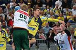 Rhein Neckar Loewe Andy Schmid (Nr.2) gegen Wetzlars Anton Lindskog (Nr.66) und Wetzlars Jannik Kohlbacher (Nr.80) beim Spiel in der Handball Bundesliga, Rhein Neckar Loewen - HSG Wetzlar.<br /> <br /> Foto &copy; PIX-Sportfotos *** Foto ist honorarpflichtig! *** Auf Anfrage in hoeherer Qualitaet/Aufloesung. Belegexemplar erbeten. Veroeffentlichung ausschliesslich fuer journalistisch-publizistische Zwecke. For editorial use only.