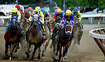 """Saratoga Springs, NY September, 01 2018:  Sippican [left pink cap] was in ninth and weaved to the eight path at the quarter pole and kicked home to win the Spinaway with Joel Roasario """"up"""".  The G1 event was at Sartoga Race Track, in Saratoga Springs, NY.  [Dan Heary/Eclipse Sportswire/Getty Images]"""