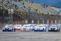 RIO DE JANEIRO, RJ, 15 DE JULHO 2012 - COPA MONTANA - 4ª ETAPA - RIO DE JANEIRO - Largada da 4ª etapa da Copa Montana, disputada no Autodromo Internacional Nelson Piquet, Jacarepagua, Rio de Janeiro, neste domingo, 15. FOTO BRUNO TURANO  BRAZIL PHOTO PRESS